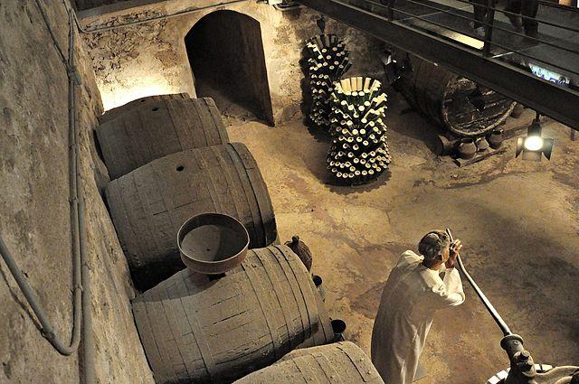640px-Museo_del_vino-monasterio_de_piedra-nuevalos-2010
