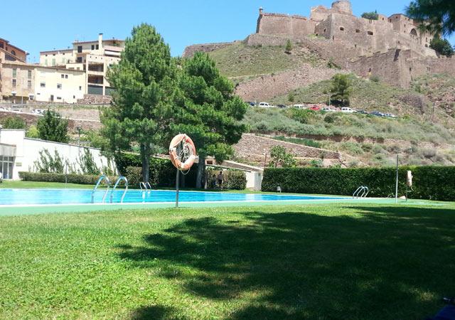 cardona_pool