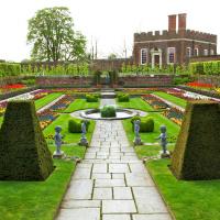 Formal Gardens, Hampton Court Palace, London, England