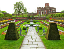 Formal Gardens, Hampton Court Palace, London, England