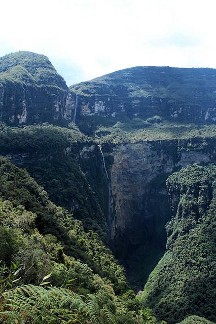 ゴクタの滝 ペルー遺跡の壁紙