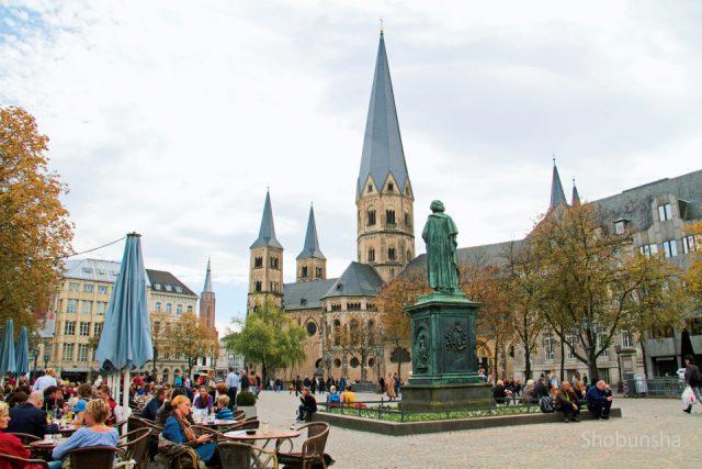 ドイツ【ボン】かつての首都の新...