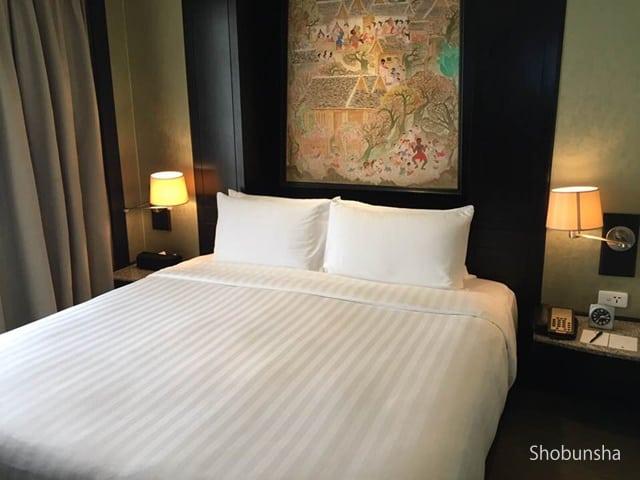 柔らかすぎず硬すぎないちょうどいいベッド