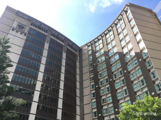 ホテルはX字型の建物になっています
