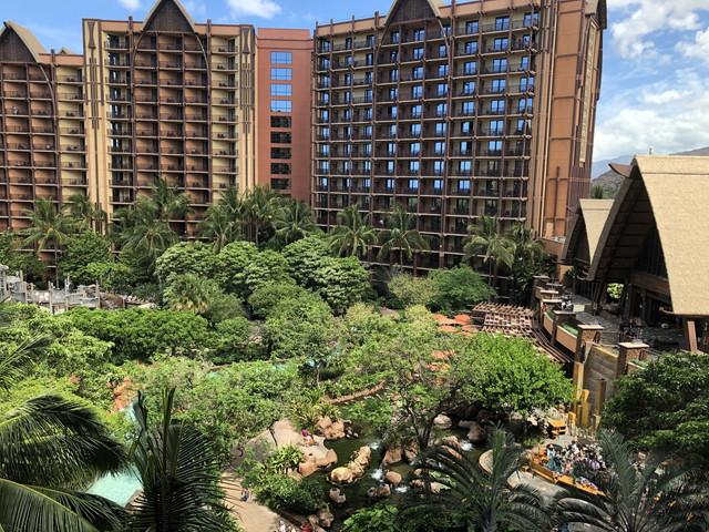 ホテル全体 エントランスからの眺め(2)