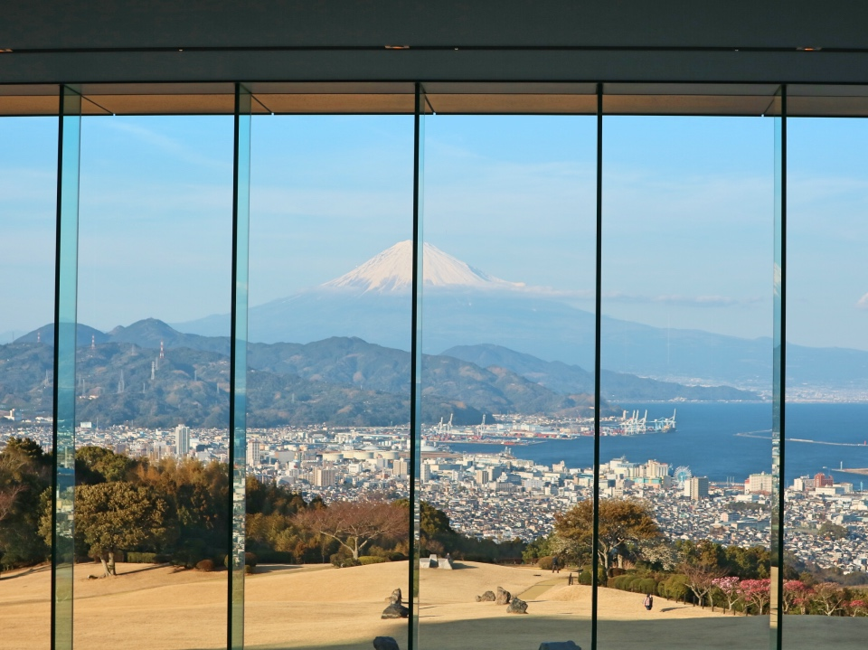 ロビーから富士山_Fotor
