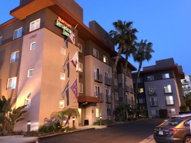 ホテル外観 南から撮影