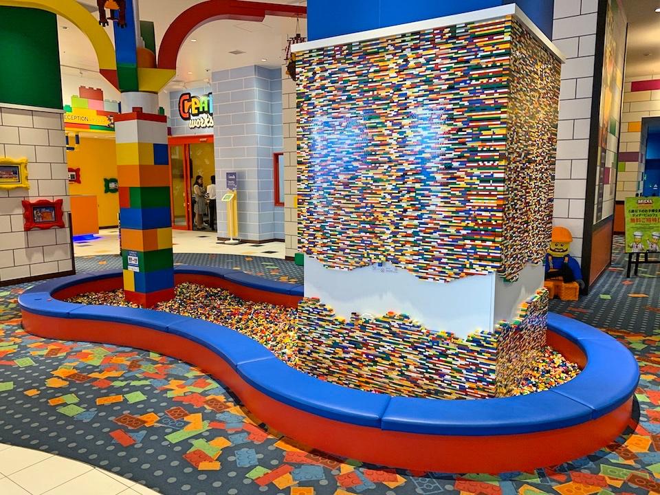 ロビーにあるレゴのプレイエリアです