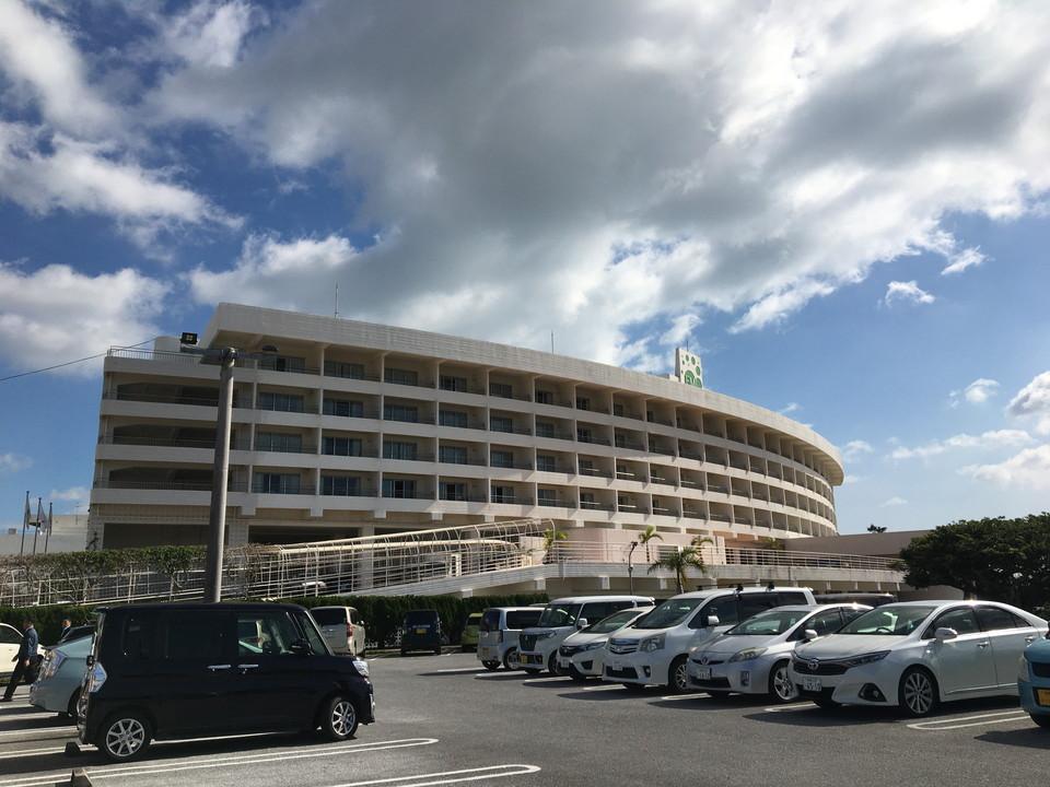 建物全体ー巨大なホテルです